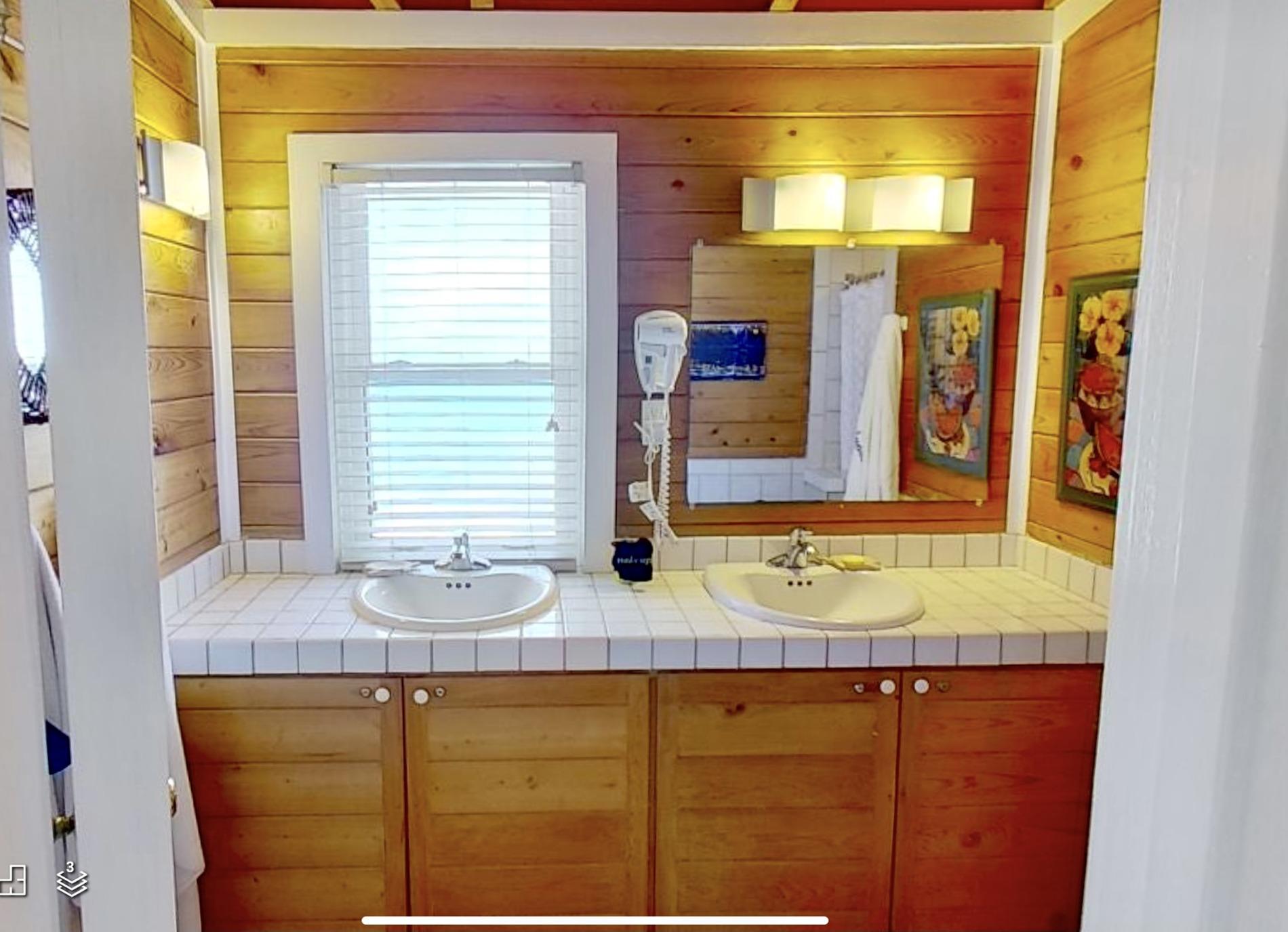 North King Master Bathroom