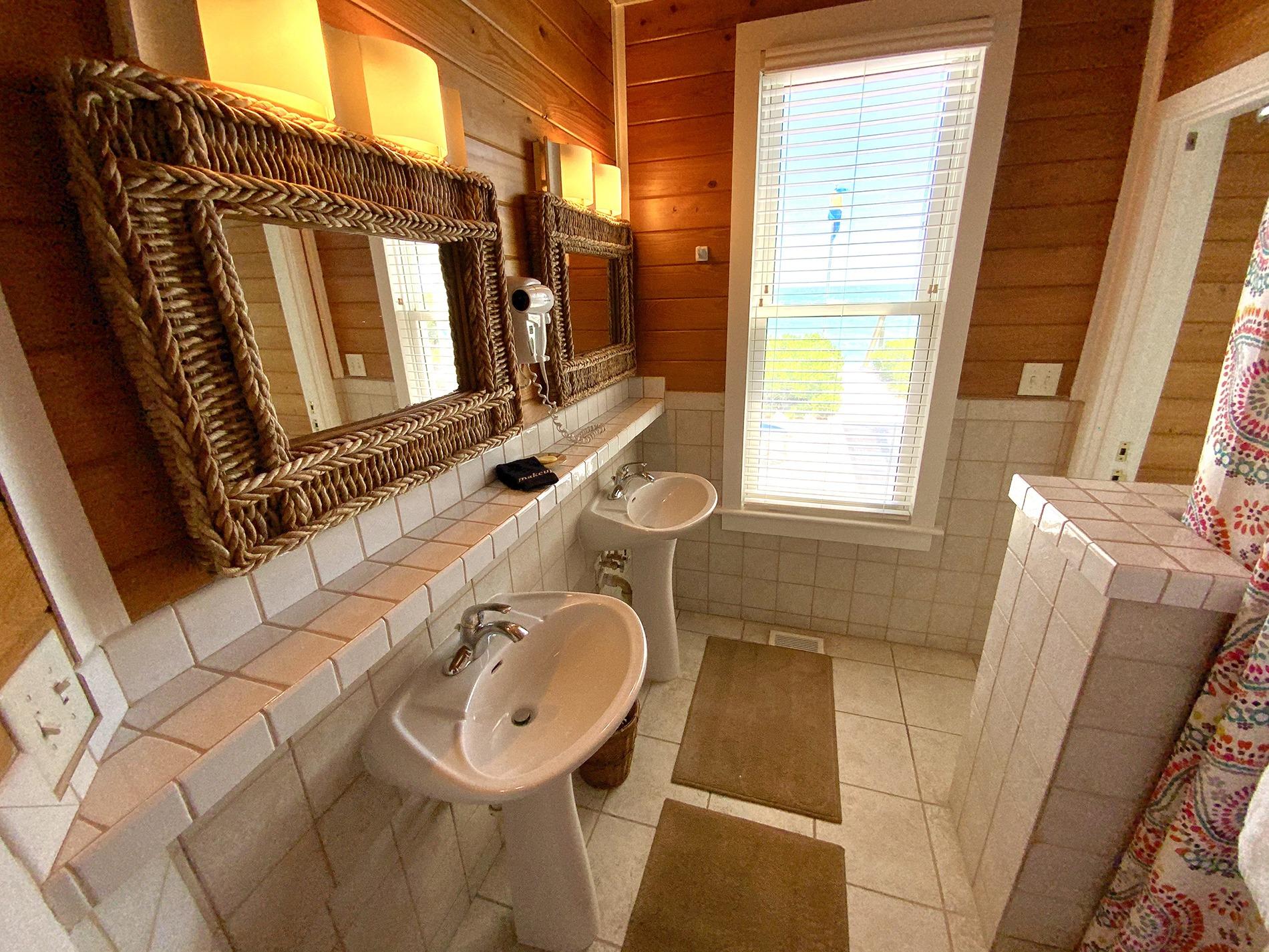 Southeast King Bathroom